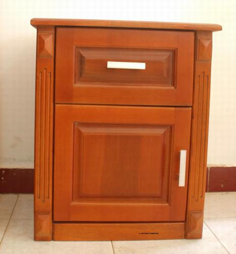Tủ Đầu Giường Phong Ngủ Bằng Gỗ Sồi Tự Nhiên -013