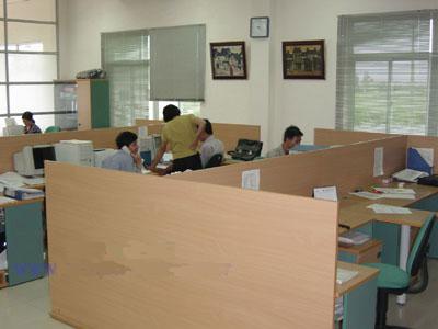 Vách Ngăn Văn Phòng Cao Cấp Bằng Gỗ Tự Nhiên -002